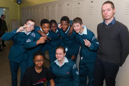 Les jeunes de l'escadron 827 Longueuil.