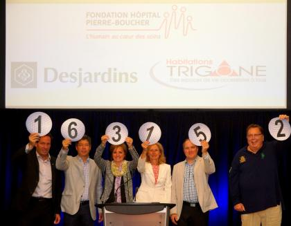 Plus de 160 000$ ont été remis pour le Centre des naissances de l'hôpital Pierre-Boucher grâce à la tenue du traditionnel tournoi de golf annuel.