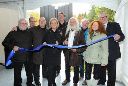 L'imposante sculpture en hommage à Michel-Chartrand a été inauguré à Longueuil