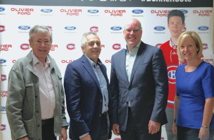 Olivier Ford investit dans l'aréna du centre sportif Gaétan-Boucher.