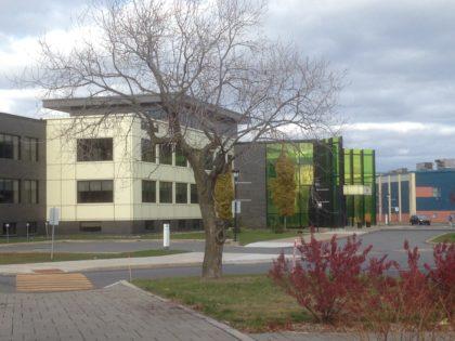 L'agglomération de Longueuil indique qu'une étude confirme que ses coûts administratifs sont bas.