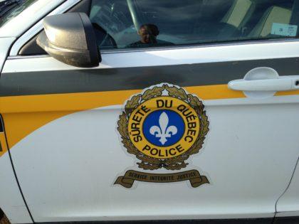 Opération policière contre le milieu des trafiquants de drogue.