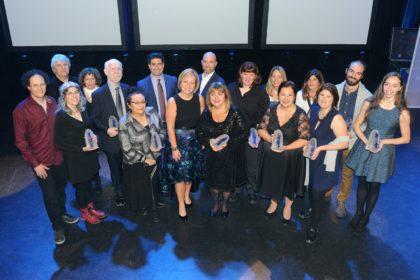La mairesse de Longueuil en compagnie des lauréats.