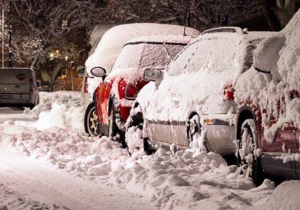 Boucherville permet, sur projet pilote, le stationnement de nuit en bordure des rues l'hiver.